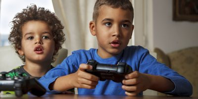 How Online Gaming Helps in Socializing and Benefit Kids in Learning